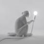 SELETTI - Monkey Lamp - Zittend